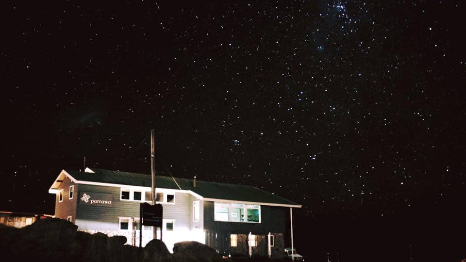 parrawa-ski-lodge-night-sky-1